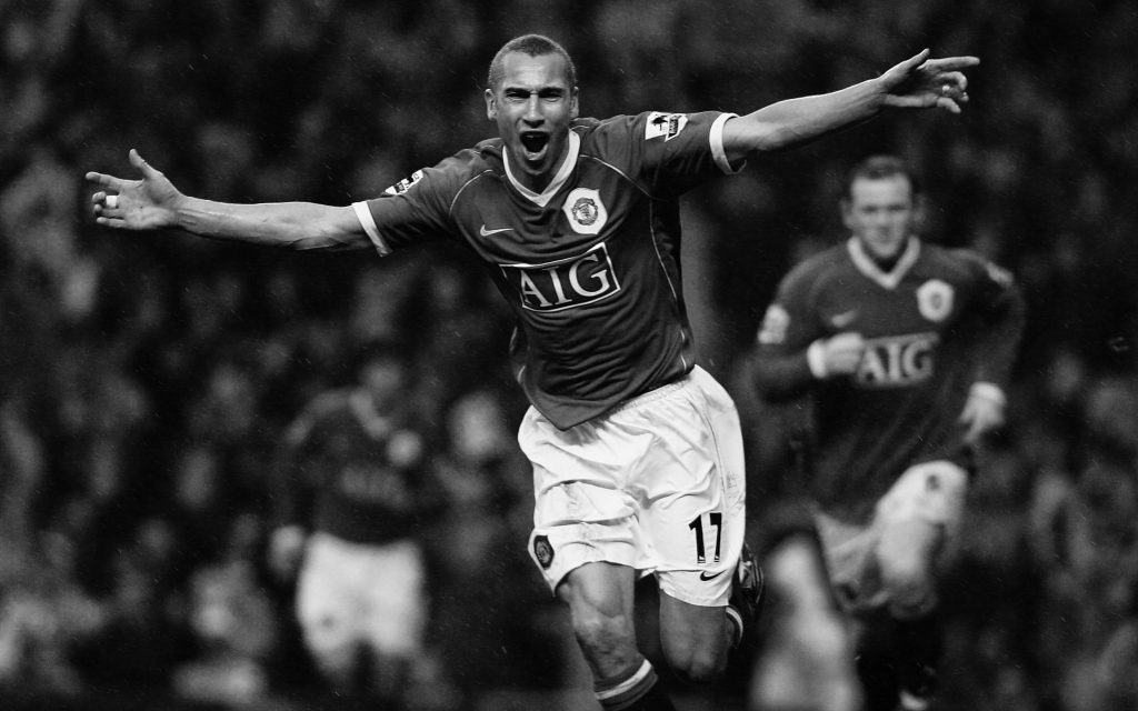 Henrik Larsson scoring against Lille for MUFC